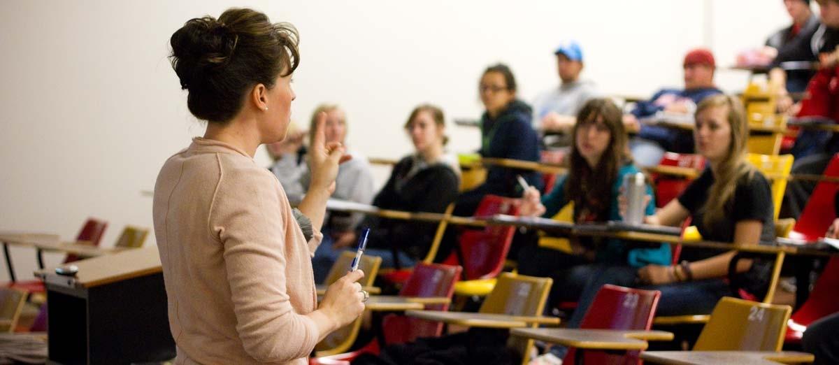 Dr. Heng-Moss in Classroom